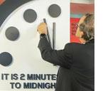 Die Welt am Abgrund: es ist 2 Minuten vor 12!